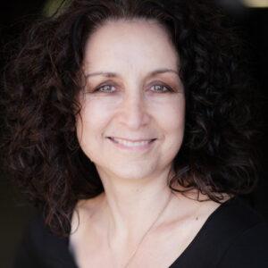 Marika Cominos